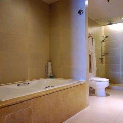 Отель Holiday Inn Shifu Гуанчжоу ванная фото 2
