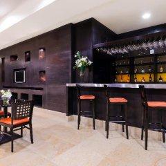 Отель NH Mexico City Centro Histórico гостиничный бар