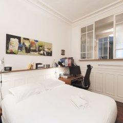 Апартаменты Classic Studio in Montmartre комната для гостей фото 2