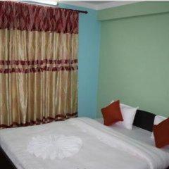 Отель Travellers Dorm Bed & Breakfast Непал, Катманду - отзывы, цены и фото номеров - забронировать отель Travellers Dorm Bed & Breakfast онлайн сейф в номере