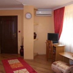 Отель Family Hotel Silvestar Болгария, Велико Тырново - отзывы, цены и фото номеров - забронировать отель Family Hotel Silvestar онлайн комната для гостей