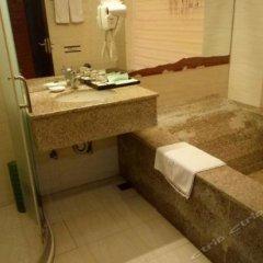Отель Longjia Ecological Hot Spring Resort Китай, Жангжоу - отзывы, цены и фото номеров - забронировать отель Longjia Ecological Hot Spring Resort онлайн ванная