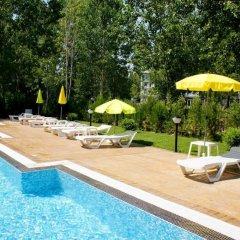 Отель Menada VIP Zone Болгария, Солнечный берег - отзывы, цены и фото номеров - забронировать отель Menada VIP Zone онлайн бассейн фото 2
