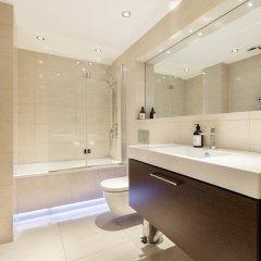 Отель 2 BDR in Knightsbridge by The Residences Великобритания, Лондон - отзывы, цены и фото номеров - забронировать отель 2 BDR in Knightsbridge by The Residences онлайн ванная