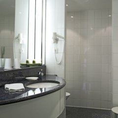 Отель Steigenberger Hotel Hamburg Германия, Гамбург - 2 отзыва об отеле, цены и фото номеров - забронировать отель Steigenberger Hotel Hamburg онлайн ванная