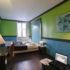 Отель Adonis Marseille Vieux Port комната для гостей