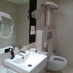 Отель Royal Orchid Beach Resort & Spa Гоа ванная