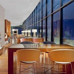 Sheraton Nha Trang Hotel & Spa гостиничный бар
