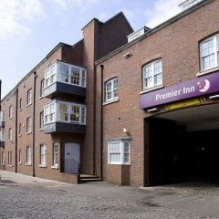 Отель Premier Inn London Southwark (Bankside) парковка