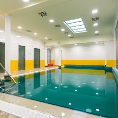 Отель Astoria & Medical Spa бассейн