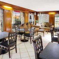 Отель Days Inn Elk Grove Village Chicago OHare Airport West питание