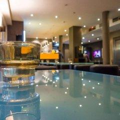 Отель Motel One Duesseldorf City гостиничный бар