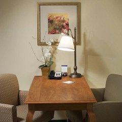 Отель Hampton Inn & Suites Tulare удобства в номере