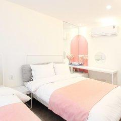 ORBIT Cafe & Guesthouse - Hostel комната для гостей фото 2