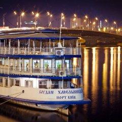 Отель Bogdan Khmelnytskyi Киев приотельная территория фото 2
