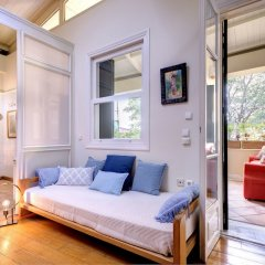 Отель Artistic neoclassical residence Греция, Афины - отзывы, цены и фото номеров - забронировать отель Artistic neoclassical residence онлайн комната для гостей фото 3