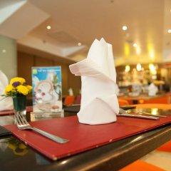 Отель The Seasons Bangkok Huamark развлечения
