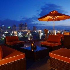 Отель The Bayleaf Intramuros гостиничный бар