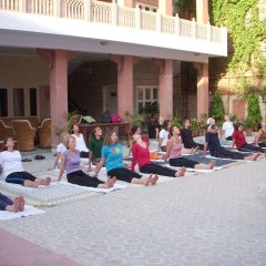 Suryaa Villa - A City Centre Hotel фитнесс-зал фото 3