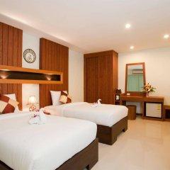 Отель Deva Suites Patong сейф в номере