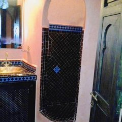 Отель Riad Boutouil ванная
