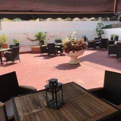Отель Hostal Liwi Испания, Барселона - отзывы, цены и фото номеров - забронировать отель Hostal Liwi онлайн бассейн
