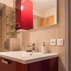 Отель Le Notre Dame - Duplex with Amazing View Париж ванная фото 2