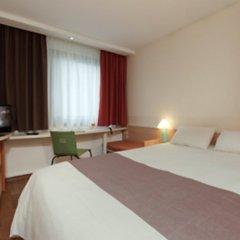 Отель ibis Nuernberg City am Plaerrer комната для гостей фото 3