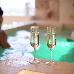 Отель Iulius Suite & spa Конверсано бассейн