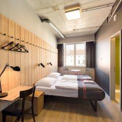 Отель Generator Berlin Mitte Берлин комната для гостей