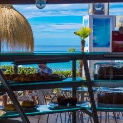 Отель Holiday Village Фонди гостиничный бар