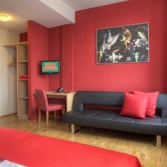 Отель MEININGER Hotel Hamburg City Center Германия, Гамбург - отзывы, цены и фото номеров - забронировать отель MEININGER Hotel Hamburg City Center онлайн комната для гостей фото 2