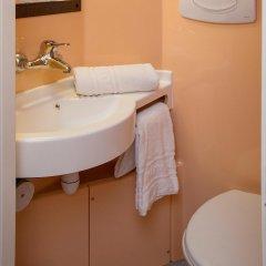 Отель Première Classe Lille Centre ванная
