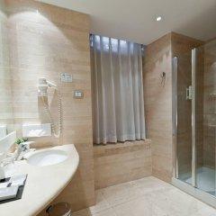 White Hotel ванная