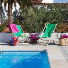 Отель Casa Rural La Montañeta бассейн