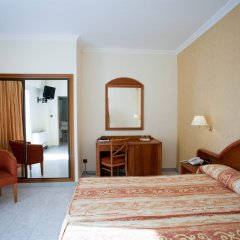 hotel las arenas playa de palma spain zenhotels rh zenhotels com