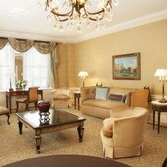 Отель The Sherry Netherland интерьер отеля