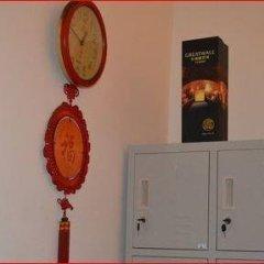 AMOUR Hostel Chengdu сейф в номере