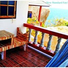 Отель Family Tanote Bay Resort Таиланд, Остров Тау - отзывы, цены и фото номеров - забронировать отель Family Tanote Bay Resort онлайн балкон