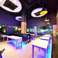 Отель Bizotel Bangkok Бангкок интерьер отеля фото 2