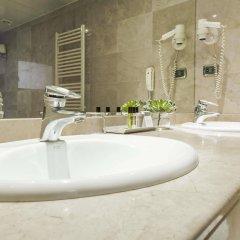 Отель Aparthotel Mariano Cubi Barcelona ванная