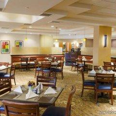 Отель DoubleTree by Hilton Carson питание