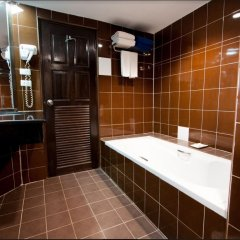 Отель Karon Sea Sands Resort & Spa Таиланд, Пхукет - 3 отзыва об отеле, цены и фото номеров - забронировать отель Karon Sea Sands Resort & Spa онлайн ванная фото 2