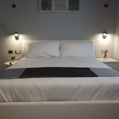 Отель Clementi 18 Suites Rome сейф в номере