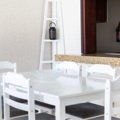 Отель HiGuests Vacation Homes - Burj Views Дубай гостиничный бар