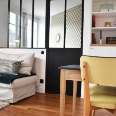 Апартаменты Stylish 1 Bedroom Apartment in Le Marais комната для гостей фото 2
