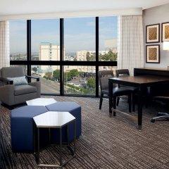 Отель Embassy Suites Los Angeles - International Airport/North США, Лос-Анджелес - отзывы, цены и фото номеров - забронировать отель Embassy Suites Los Angeles - International Airport/North онлайн удобства в номере фото 2