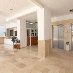 Отель Apartamentos Benimar Испания, Бенидорм - отзывы, цены и фото номеров - забронировать отель Apartamentos Benimar онлайн интерьер отеля
