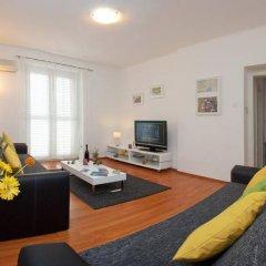 Апартаменты Apartment Dalibor комната для гостей фото 2