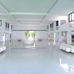 Отель Ta Residence Suvarnabhumi Бангкок интерьер отеля
